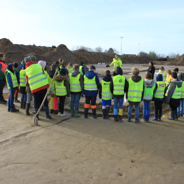 Educatieve rondleiding voor opgraving sportpark Bellekouter – ism gemeente Wichelen