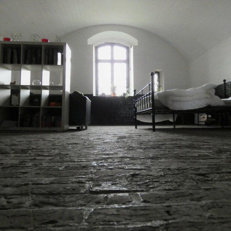 Fort Rozenbroek - Luchtige slaapkamer met originele vloeren